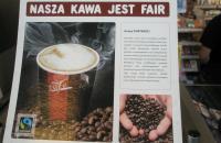 """Zdjęcie gazety z nagłówkiem """"Nasza kawa jest fair"""""""